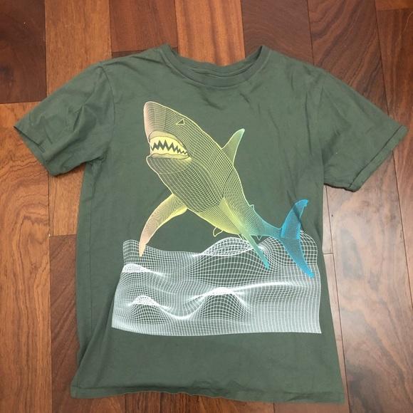 Children's place T-shirt shark sz 16